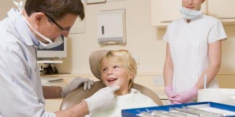 Kind_beim_Zahnarzt